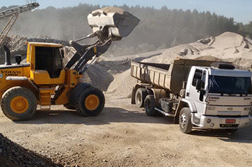 Promoção empresarial - Carga de areia com  7m³ e 14 m³