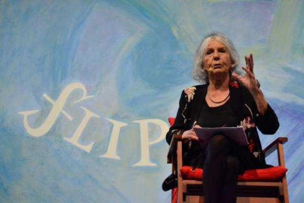 A professora Beatriz Sarlo, na sessão de abertura da Flip 2015 - Festa Literária Internacional de Paraty, com a mesa literária: As Margens de Mário Foto:Tânia Rêgo/Agência Brasil