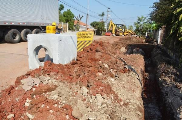 Rua Eloina Ribas Bastos recebe obras de drenagem (Foto: PMSJP)