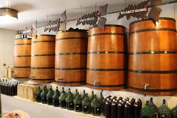 Vinhos artesanais fazem sucesso e dão nome ao roteiro de Turismo Rural (Fotos: Divulgação)