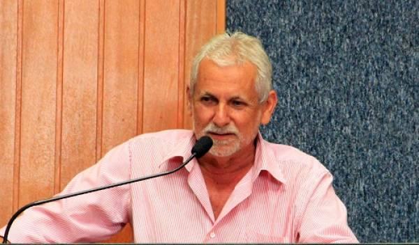 Vereador Zé Vieira: 'o município está regredindo e os vereadores estão de mãos atadas'.