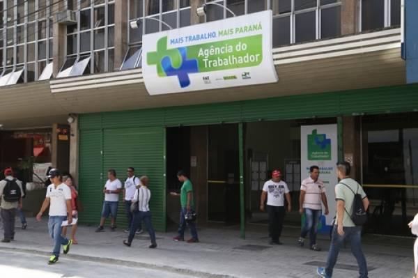 Agência do Trabalhador.Curitiba, 16/01/2015.Foto: José Fernando Ogura/ANPr