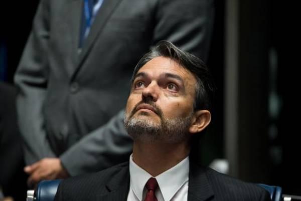 Júlio Marcelo de Oliveira é ouvido na condição de informante durante o primeiro dia da sessão de julgamento do impeachment da presidenta afastada Dilma Rousseff. Foto: Marcelo Camargo/Agência Brasil