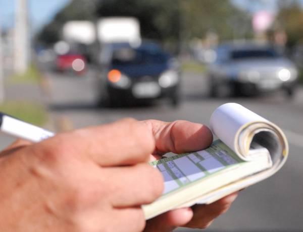 Multas para infrações de trânsito ficam mais caras a partir de novembro.Foto: Divulgação Detran PR