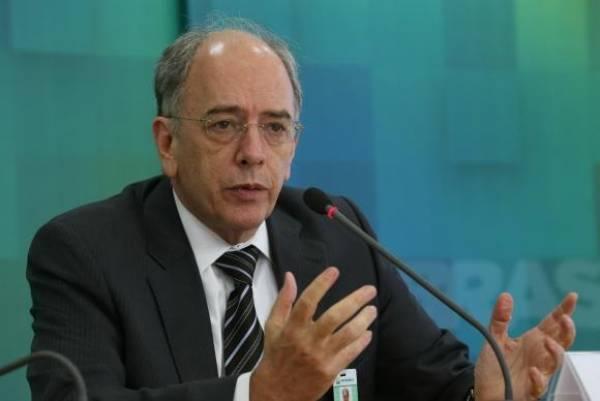 Presidente da Petrobras, Pedro Parente disse que o impacto da redução de preços nas bombas de todo o país vai depender das redes de distribuição e dos donos dos postosJosé Cruz/Agência Brasil
