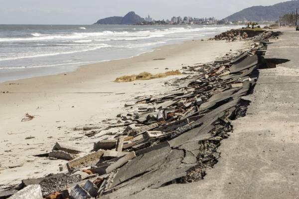 Áreas afetadas pela ressaca no município de Matinhos. Matinhos, 04/11/2016. Foto: Pedro Ribas/ANPr