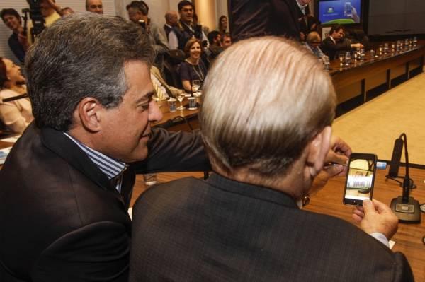 Governador Beto Richa lança o aplicativo