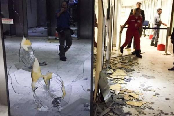 O MEC teve vidros e equipamentos quebrados e o prédio invadido no protesto. Foto: Ministério da Educação