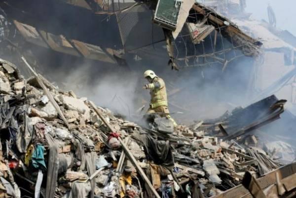 Após incêndio, prédio desaba em Teerã - Foto/Divulgação AFPDivulgação AFP