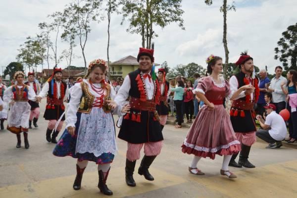 Tradicional festa comemora a safra de vegetais da região e distribui prêmios para a população de São José dos Pinhais