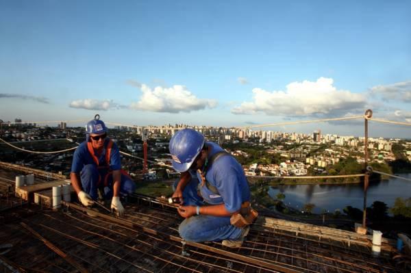 Paraná registra saldo positivo de empregos pelo segundo mês seguido. Construção Civil com 1.159 postos. Foto: Arquivo ANPr