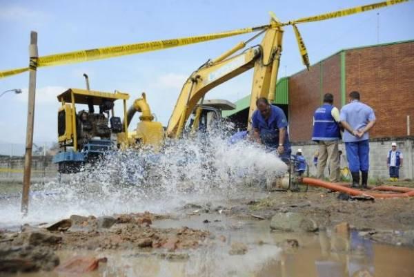 A ONU mobiliza governos, setor privado e sociedade civil contra o desperdício, por melhoria nos sistemas de coleta e tratamento de esgoto e pelo reaproveitamento máximo das águas residuais urbanas. Foto:Tânia Rêgo/Arquivo Agência Brasil