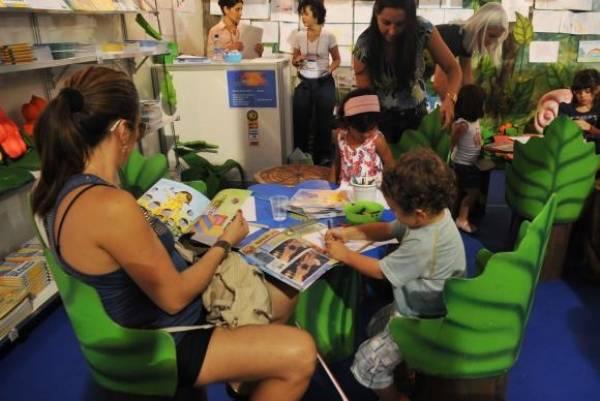 Os livros infantis têm papel fundamental na formação das crianças e ajudam inclusive no processo de alfabetização -Elza Fiúza/Arquivo Agência Brasil