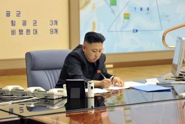 O líder da Coreia do Norte, Kim Jong-un, responde ao presidente dos Estados Unidos, Donald Trump - KCNA/DPA/Agência Lusa/direitos reservados