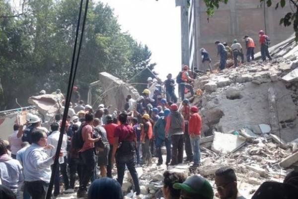 O último balanço de vítimas confirmadas é 224 mortos, sendo 117 na Cidade do México, 39 no estado de Puebla, 55 em Morelos, 12 no estado do México e uma em Guerrero.Isabel Reviejo/EPA/Agência Lusa