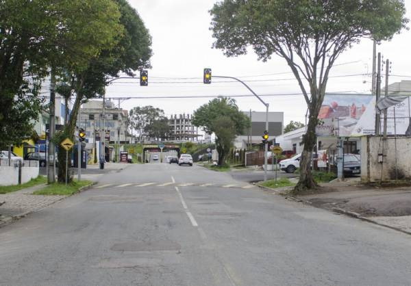 Rua João de Brito com a Rua Guaraqueçaba (Foto: Paulo Szostak/PMSJP)