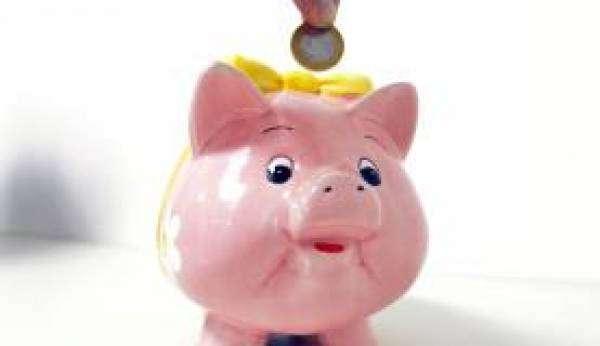 Hábito  de  poupar  não  é  comum  nem entre os  que têm renda mais alta. Foto: Arquivo/Agência Brasil