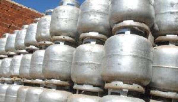 Os reajustes dos botijões até 13 kg passarão a ser trimestrais. Foto: Arquivo/Agência Brasil