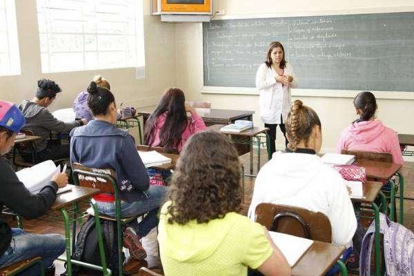 A Secretaria da Educação está com matrículas abertas para o Centro de Línguas Estrangeiras Modernas (Celem) nas escolas da rede estadual. Curitiba, 12/01/18. Foto: Hedeson Alves/SEED