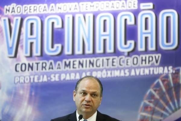 O ministro da Saúde, Ricardo Barros, lança campanha de vacinação contra meningite e HPV. Foto: Marcelo Camargo/Agência Brasil