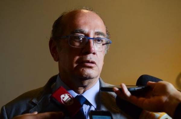 Casos funcionalmente deverão continuar no Supremo, diz o ministro Gilmar Mendes (Rovena Rosa/Arquivo/Agência Brasil)