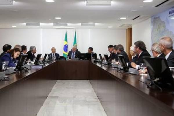 Presidente Temer em reunião com representantes do setor automotivo, no Palácio do Planalto - Marcos Corrêa/PR