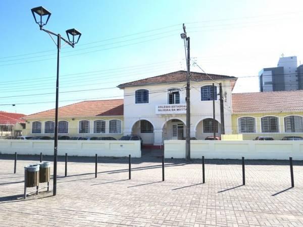 A instituição de ensino é a mais antiga do Município e os dois imóveis que abrigaram a escola são tombados como Patrimônio Cultural (Foto: Antonio Bobrowec/PMSJP)