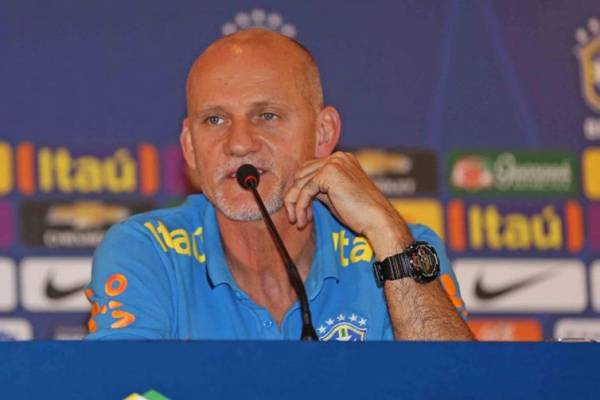 O preparador de goleiros da seleção brasileira, Cláudio Taffarel, elogiou bastante o titular Alisson - Rafael Ribeiro / CBF / Divulgação