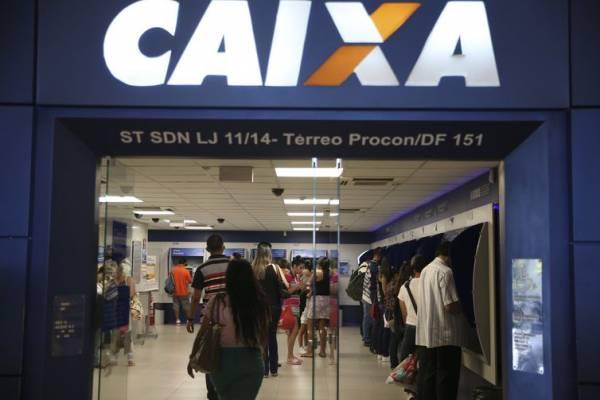 O uso do FGTS como garantia de empréstimo será fornecido pela Caixa - Arquivo/Agência Brasil