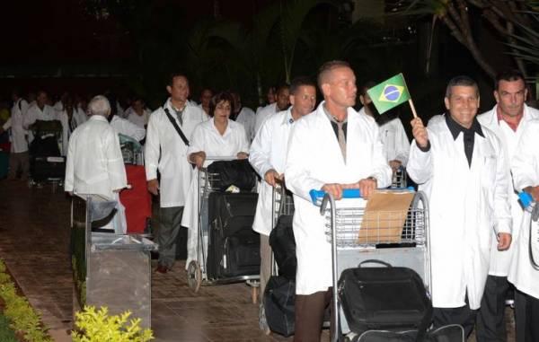 Médicos cubanos - Arquivo/Agência Brasil
