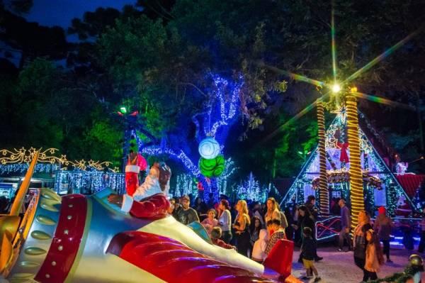 A Casa do Papai Noel fica aberta até o dia 23 de dezembro com atrações e gastronomia. Dias 24 e 25 abrirá apenas para visitação da decoração (Fotos Edison Renato/PMSJP)