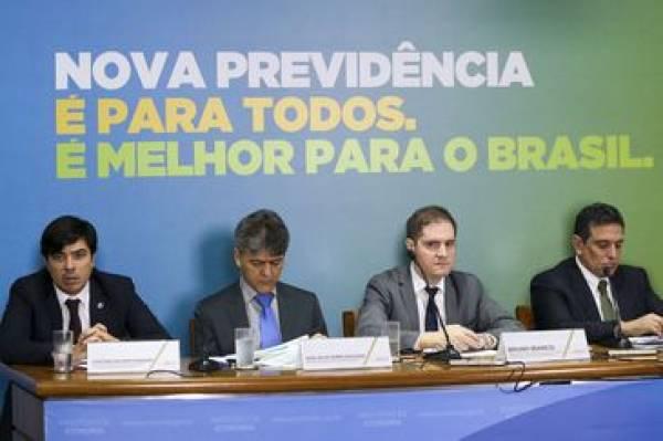 Técnicos do ministério da Economia dão entrevista coletiva para detalhar o texto da proposta de reforma da Previdência - Marcelo Camargo/Agência Brasil