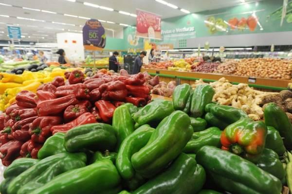 Secretaria da Saúde alerta para consumo de alimentos seguros. Foto: Venilton Kuchler/SESA