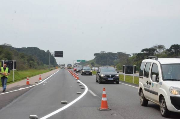 O desvio de tráfego na Rodovia BR-277 vai durar aproximadamente três meses (Foto: Ademar Marques/PMSJP)
