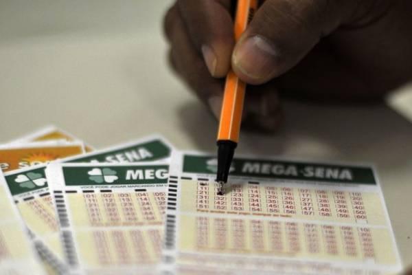 O sorteio da Mega-Sena será realizado no Espaço Loterias Caixa, na cidade de São Paulo - Marcello Casal Jr./Agência Brasil