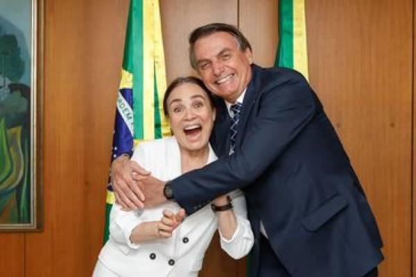 Regina Duarte durante encontro com presidente Jair Bolsonaro - Carolina Antunes