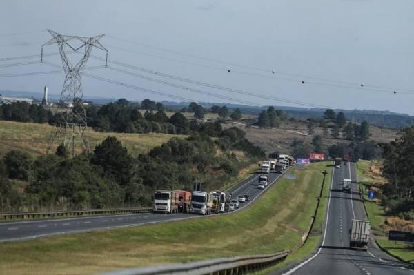 Governo do Paraná divulga pontos de apoio aos caminhoneiros. Foto: Geraldo Bubniak/AEN