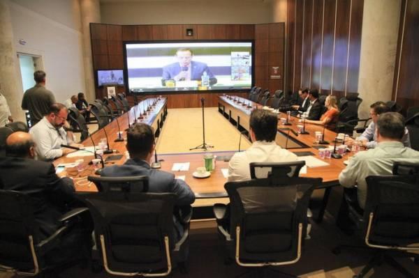 Governadores dos estados que forma o Consórcio de Integração Sul e Sudeste (Cosud) se reuniram nesta quinta-feira (02/04), por meio de videoconferência, para debater questões de saúde e impactos econômicos provocados pela pandemia do novo coronavírus. Foto: Ari Dias/AEN